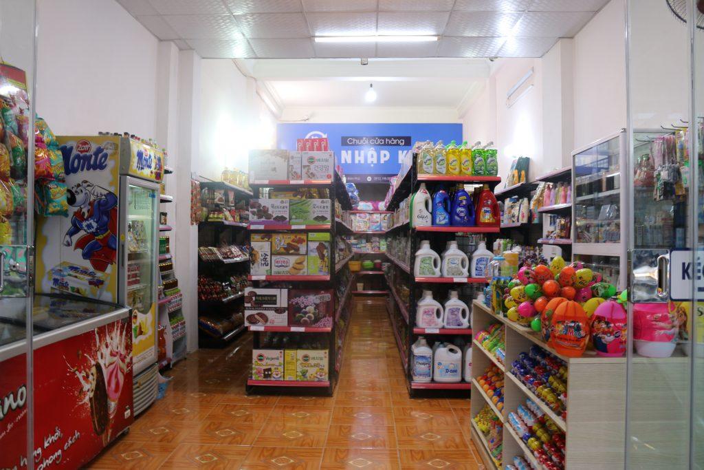 Hệ thống hàng hóa ở siêu thị ở Điện Biên
