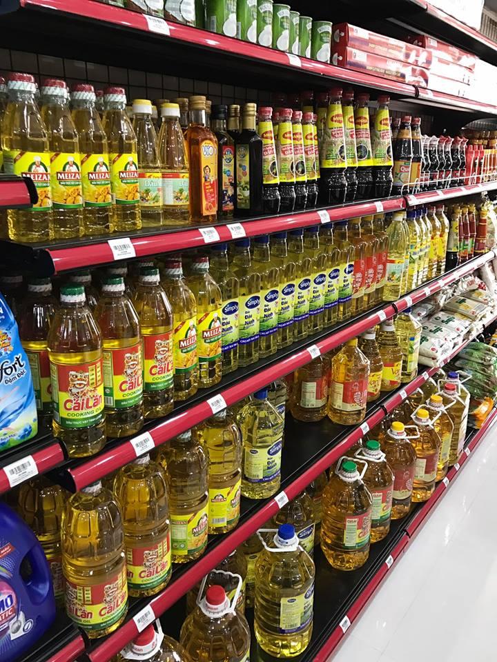 Gian hàng hóa tại siêu thị Hân An