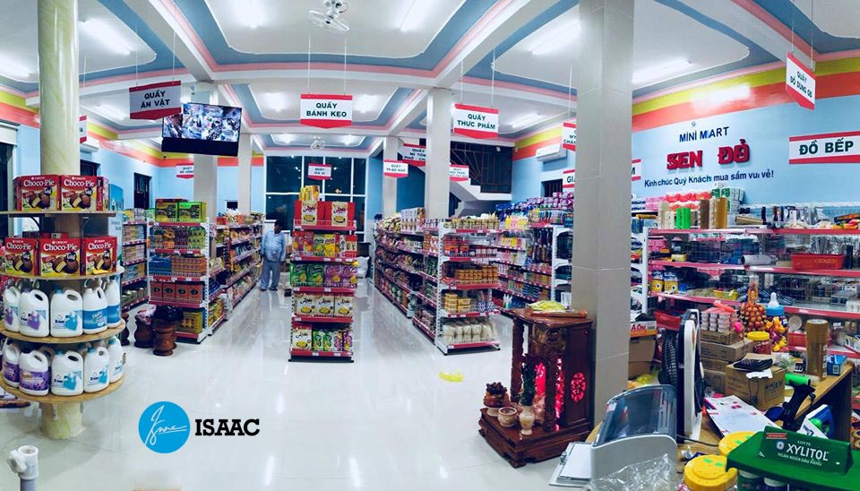 Bày hàng hóa siêu thị