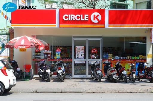 Chuỗi cửa hàng Circle đều có mặt tiền rộng