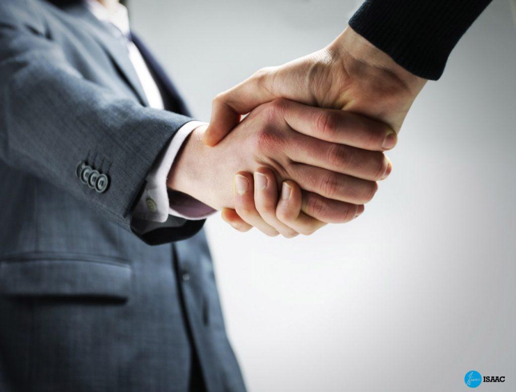 Kí kết hợp đồng chuyển nhượng kinh doanh thời trang