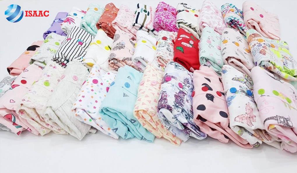 Nguồn quần áo trẻ em